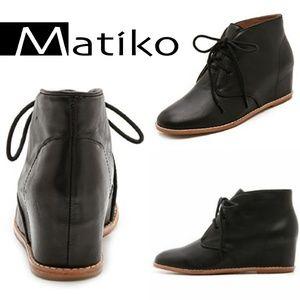 Matiko Sharon Hidden Wedge Bootie Black 10